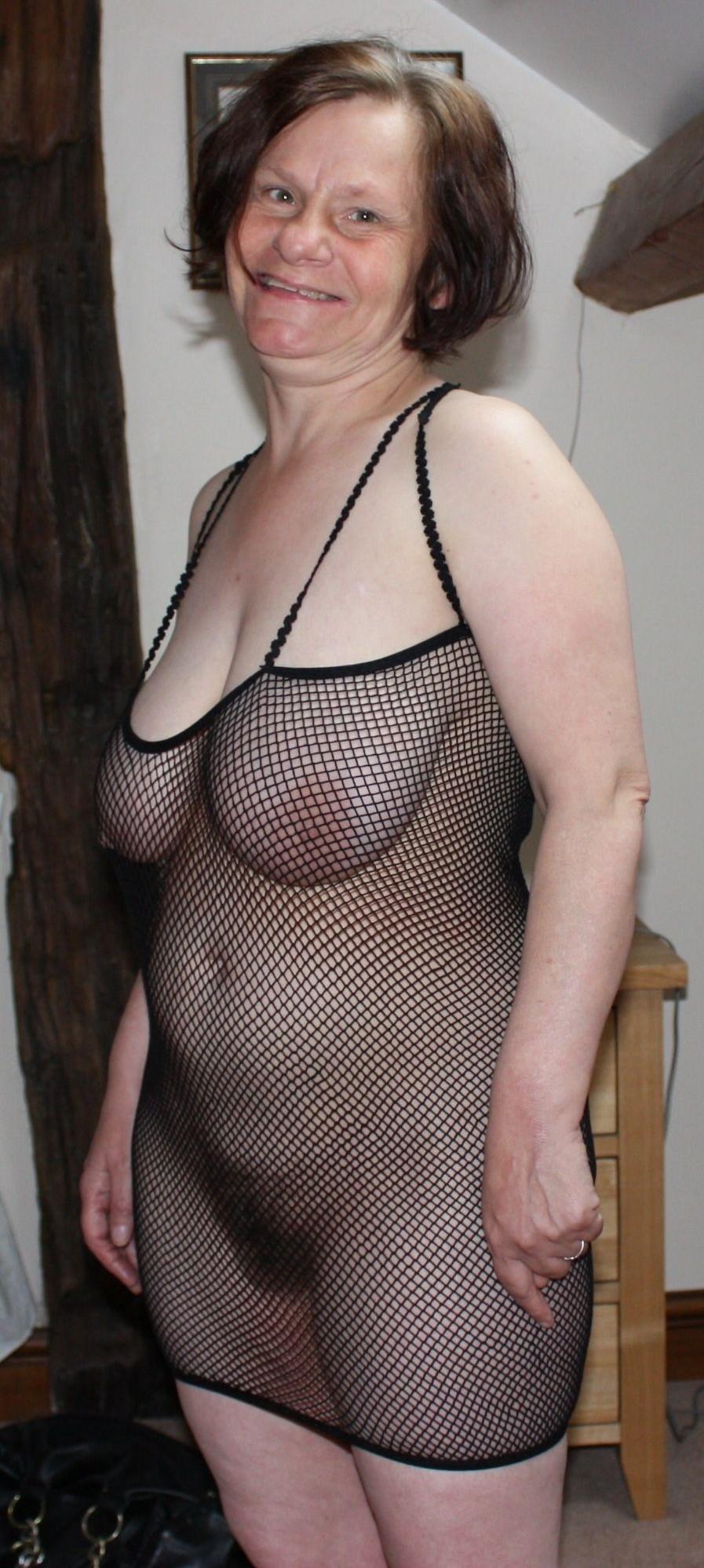 håriga gamla fittor stora nakna kvinnor