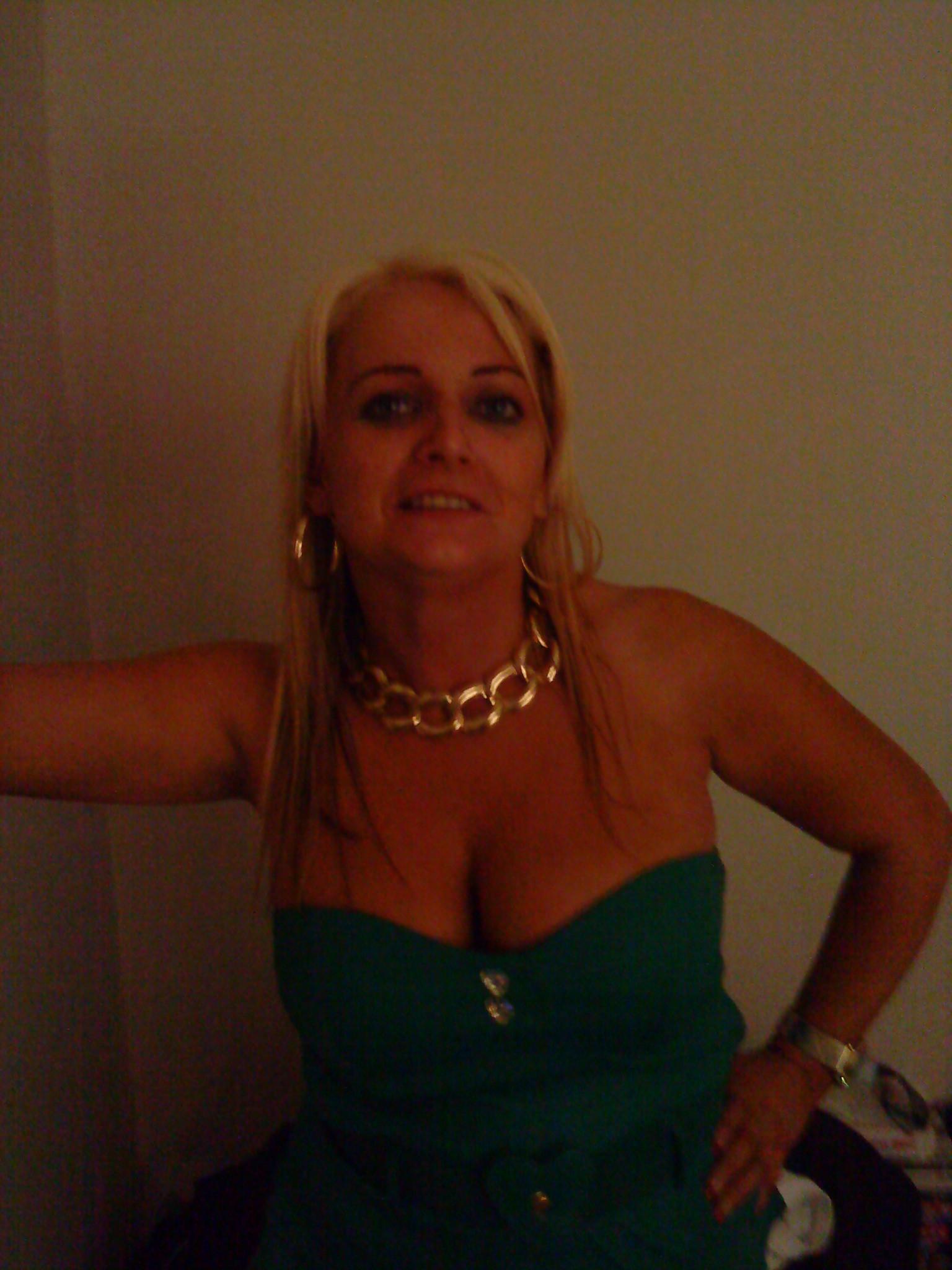 http www ts homo dating com escort tinasexy män med stora tuttar